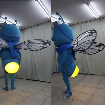 Fliege-Kostuem-Walking-Act-Produktion