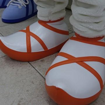 Hund-Kostuem-Maskottchen-Produktion-Schuhe